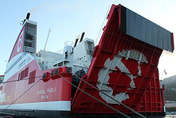 Poupe d'un bateau / Cargo CORSICA linea