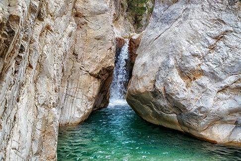 Découvrez le canyoning en Corse