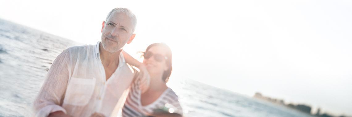 coppia su una spiaggia corsa